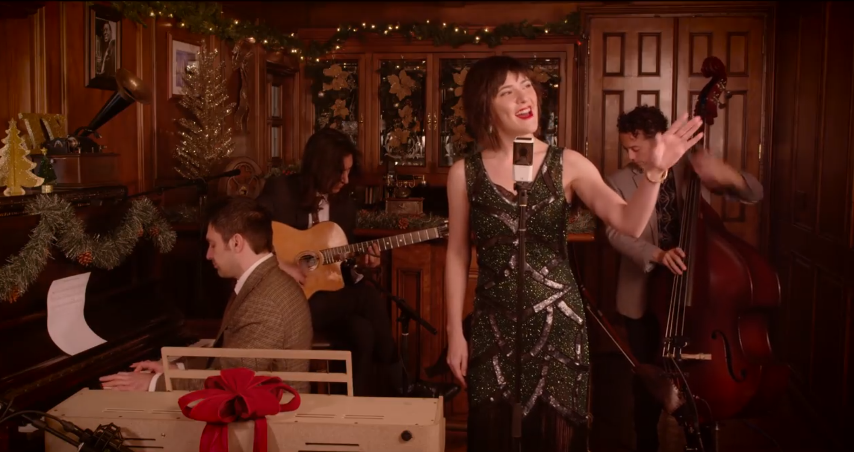 I'll Be Home For Christmas – (Bing Crosby / Michael Buble Cover) ft. Sara Niemietz