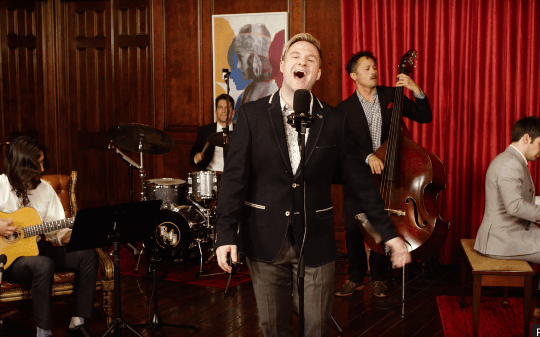 """Blake Lewis channels Bobby Darin on Jimmy Eat World's """"The Middle"""""""