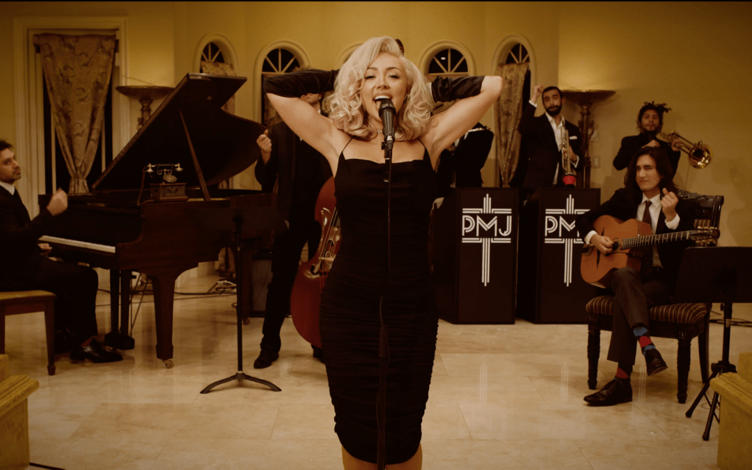 """Blondie's """"Call Me"""" Gets A Marilyn Monroe Style Remake"""